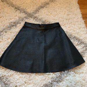 2/$10 ⭐️NWOT Black Faux Leather High Waist Skirt